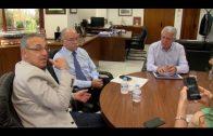 Menacho analiza las necesidades del puerto de Algeciras en un encuentro con Morón