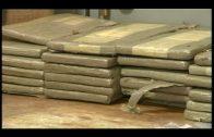 La Guardia Civil recupera 301 kilos de hachís arrojados al mar durante una persecución