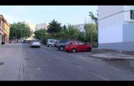 Algesa limpia y desbroza la calle Duero en La Piñera