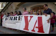 APDHA y Algeciras Acoge se concentran para pedir el cierre del CIE