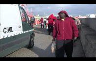 Interceptados 10 menores de origen magrebí cuando habían desembarcado en la playa de Bolonia