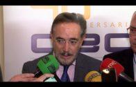 El consejero de Fomento analiza las deficiencias de infraestructuras en la comarca con empresarios