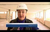 El alcalde visita las obras para al construcción de la guardería del Saladillo