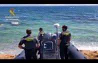 La Guardia Civil interviene más de tres toneladas de hachís en la playa de Getares