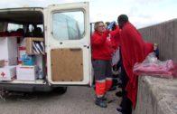 Salvamento Marítimo rescata a 27 personas a bordo de cuatro pateras al suroeste de Tarifa