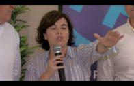 La candidata a presidir el PP, Sáenz de Santamaría hace campaña en Algeciras