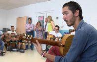 Pepe de Lucía recibe el primer galardón 'Guitarra Especial de Algeciras'