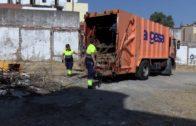 Hoy finalizan los trabajos de desbroce de la parcela del garaje Carteya