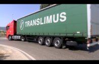 Policía Local retira camiones y autobuses aparcados en la vía pública urbana en Algeciras