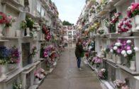 El alcalde visita el cementerio el Día de Todos los Santos