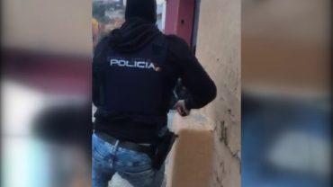 Detenido un hombre que recibió a tiros a la Policía