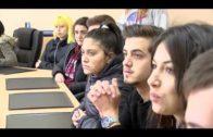El delegado de Juventud se reúne con alumnos del IES El Getares para conocer sus propuestas