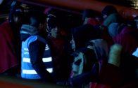 Trasladadas al Puerto de Algeciras 51 personas rescatadas de una patera en el Estrecho