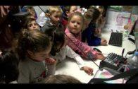 Alumnos de Educación Infantil conocen el trabajo de los periodistas en su visita a Onda Algeciras TV