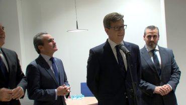 El alcalde y Caixabank estudian las ayudas europeas a las empresas que contraten jóvenes