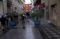 ALGESA comienza la retirada de cera en las calles del centro de la ciudad para evitar incidencias