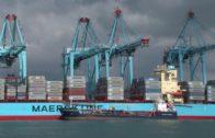 El embajador de Kazajistán visita el puerto y conoce la actividad de AGI y Cámara de Comercio
