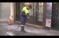 La delegación de Limpieza continúa ejecutando limpiezas de choque, baldeos y desbroces en barriadas
