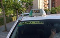 """La Policía Local inmoviliza un """"taxi pirata"""" que intentaba hacer un recorrido urbano"""