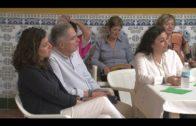 Landaluce, candidato a la alcaldía por el PP, asiste a un encuentro con vecinos de la Yesera