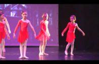 """La academia de baile """"Danzares""""  muestra su trabajo en el teatro Florida"""