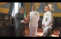 El alcalde ha recibido al nuevo comandante naval de Algeciras Juan Carlos García Velo