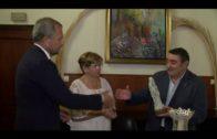 La Palma galardon a la unidad oncológica del hospital y la residencia hogar San José