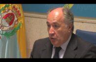 El alcalde informa a los vecinos del Rinconcillo sobre las actuaciones que va a acometer en la playa