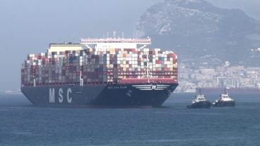 El portacontenedores más grande del mundo hace escala en el Puerto de Algeciras