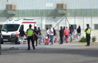 Llegan los 15 inmigrantes del Audaz a la Bahía de Algeciras