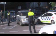 La Policía Local lleva a cabo una campaña para evitar las distracciones al volante