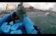 Localizados unos 555 kilos de hachís en aguas del Estrecho arrojados por una lancha que huyó