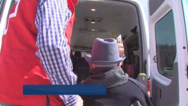 Cruz Roja ofrece un servicio de transporte gratuito para los electores con movilidad reducida