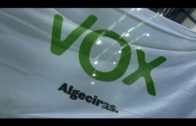 Vox encuentra sellada la cerradura del pabellón donde celebra Ortega Smith su acto en Algeciras