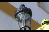 La delegada de Alumbrado supervisa reposición de los faroles ornamentales de la iglesia San Isidro
