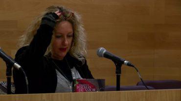 Presentación el libro Treinta Poemas de Amor y una Historia