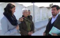Responsables municipales visitan la calle Cabo Salines, en el Rinconcillo
