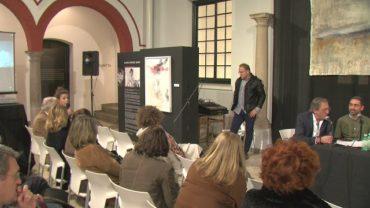 Artistas y allegados analizan la pintura de la artista algecireña Blanca Orozco