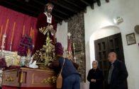 El alcalde cumple con la tradición y participa en el tradicional Besapié al Cristo de Medinaceli