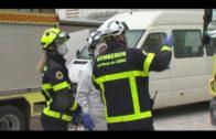 Bomberos desinfecta el Centro de Mayores de San José Artesano y el Centro de Menores de Marchenilla