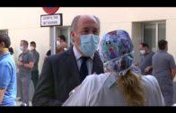 El personal sanitario de la comarca guarda un minuto de silencio por su compañero víctima del COVID