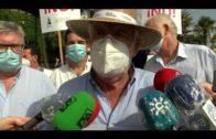Agricultores y ganaderos de Andalucía protesta en el puerto de Algeciras contra la competencia desleal