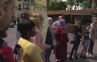 Márgenes y Vínculos entrega alimentos a setenta familias de La Bajadilla con ayuda de Acerinox