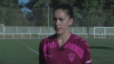 Marta Pérez se ejercita en la Menacha antes de volver con el Fundación Albacete al fútbol femenino