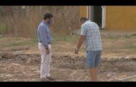 Ros y Martínez visitan las obras del nuevo campo en La Menacha
