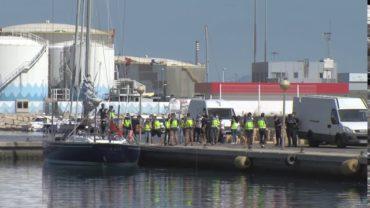 Dos detenidos en un velero cargado con hachís