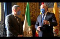 El alcalde recibe al nuevo delegado del Ministerio de Exteriores en la comarca