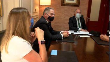El alcalde recibe al nuevo jefe de la Comandancia de la Guardia Civil