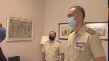 El alcalde recibe al nuevo jefe del Grupo de Artillería Antiaérea , grupo SAM de San Roque