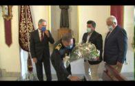 La Policía Local realiza una ofrenda floral a su Patrona, la Virgen de las Lágrimas